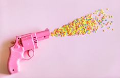 pink revolver pistol with multicolored blast photography Aesthetic Grunge, Aesthetic Vintage, Hipsters, Tumblr Wallpaper, Iphone Wallpaper, White Wallpaper, Walpaper Black, Video Pink, Tumblr Girls