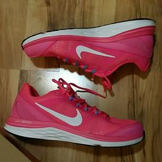 Nike Women's Athletic Shoes Pink * White Brand new never used or worn Nike Shoes Athletic Shoes