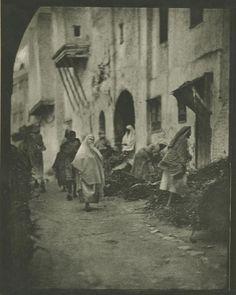 Fez, 1910. © Ortiz Echagüe / Museo Universidad de Navarra, Vegap