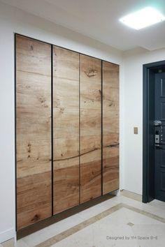 Bedroom Built In Wardrobe, Bedroom Closet Doors, Wooden Wardrobe, Master Bedroom Interior, Bedroom Closet Design, Bedroom Furniture Design, Home Room Design, Pax Wardrobe, Modern Closet Doors