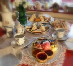 The English Kitchen: And then we had tea . . .Finger Sandwiches. Egg & Cress, Gentleman's Morsals, Roast Beef, Parma Ham and Fig, Stilton & Pear. Fro Sweet,  Dark & White Chocolate Florentines.
