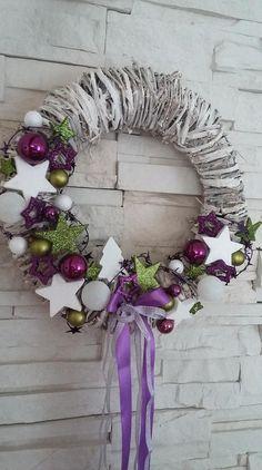Vánoční věnec na dveře.. Purple Christmas, Christmas Ideas, Christmas Crafts, Festivus, Hanukkah, Easter, Wreaths, Home Decor, Navidad