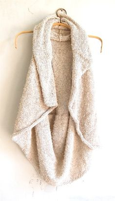Sweater vest > a tight long sleeve shirt and high bun Fall Winter Outfits, Autumn Winter Fashion, Fall Fashion, Estilo Country, Winter Mode, Looks Chic, Swagg, Passion For Fashion, Dress To Impress