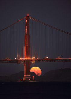 Golden Gate Moonset, photo by...Rob Kroenert, Oct. 2009.
