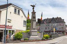 Monumento a los caídos en La Roche-en-Ardenne