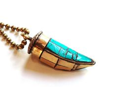 Turquoise Horn Necklace Bohemian long necklace by por AtelierYumi