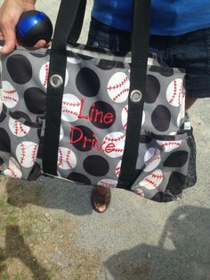 Saw this while at the ball field and totally asked the mom if I could snap a pic. She said she used puffy paint... c'mon... Thirty-One fans--- tell me this isn't cool?
