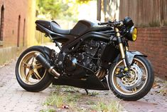 Triumph Speed Triple 1050 2006 Café Racer Ace Café - Top demais essa café!