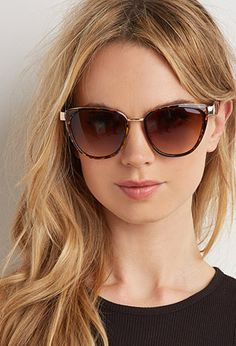 Forever 21 is the authority on fashion & the go-to retailer for the latest trends, styles & the hottest deals. Shop dresses, tops, tees, leggings & more! Gold Sunglasses, Sunglasses Accessories, Cat Eye Sunglasses, Sunglasses Women, Women Accessories, Forever 21, Shop Forever, Funky Glasses, Fashion Eye Glasses