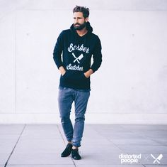 Distorted People Streetstyle : Black BB Blades Hoodie, Chukka Boot ''Stanley'', combined with a grey chino