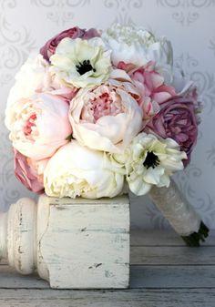 bouquet de mari e fleurs pivoine mariage romantique. Black Bedroom Furniture Sets. Home Design Ideas