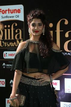 Desi Actress & New Models from South India showing their Navel to expose their Sexiness South Indian Actress, Beautiful Indian Actress, Beautiful Actresses, Hot Actresses, Indian Actresses, Hot Images Of Actress, Ritika Singh, Desi Models, Beautiful Girl Photo