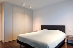 Maatkasten in de slaapkamer Bed, Modern Appartement, Furniture, Dressings, Home Decor, Photos, Decoration Home, Stream Bed, Room Decor