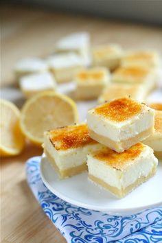 Lemon Cheesecake Creme Brulee Bars lemon bars with a brûlée top? Dessert Crepes, Dessert Bars, Dessert Food, Lemon Cheesecake Bars, Cheesecake Recipes, Lemon Bars, Cheesecake Squares, Cheesecake Bites, Just Desserts