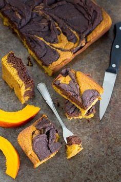 De lekkerste pompoenbrownies die je ooit hebt gegeten! Pompoen en chocolade zijn nu eenmaal een geweldige combinatie, puur comfort food.