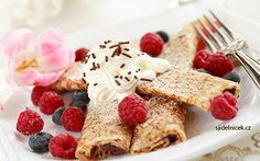 Studio 5 - Venetian Chocolate Amaretto Crepes with Pistachio, Belgian and Dark Chocolate Gelato, Fresh Raspberries and Perugina Chocolate Sa. Crepes Filling, Strawberry Breakfast, Chocolate Crepes, Famous Recipe, Think Food, Cake Images, Fat Burning Foods, Recipe Collection, Gastronomia