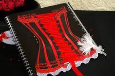 Mariage cabaret   Etoile de rose   Rouge et noir   vase Martini  