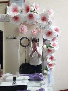 Nylon Flowers, Large Paper Flowers, Paper Flower Wall, Giant Flowers, Flower Wall Decor, Fabric Flowers, Paper Flower Backdrop Wedding, Bridal Shower Backdrop, Fun Crafts