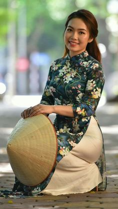 Nice 33333 Vietnamese Clothing, Vietnamese Dress, Vietnamese Traditional Dress, Traditional Dresses, Traditional Wedding, Beautiful Asian Girls, Gorgeous Women, Oriental Dress, Ao Dai