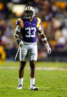 The 2017 NFL Draft first round is nearly here. Lsu Tigers Football, Sec Football, Oregon Ducks Football, Alabama Football, Football Helmets, College Football Uniforms, College Football Players, Seahawks Players, New Orleans Saints Football