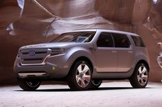 Presents a front left photograph of an impressive silver 2009 Ford Sport Trac Concept truck. 2015 Ford Explorer Sport, New Ford Explorer, Ford Sport Trac, Mid Size Suv, Ford News, Ford Expedition, Ford Motor Company, Ford Ranger, Ford