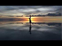 旅する鈴木132:YOGA in Sunset of Salar de Uyuni@Bolovia