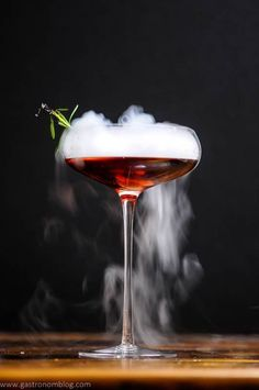 The Vampire Cynar Negroni combines Reposado Dry Gin, Cynar, and strawberry infused Campari to make this cocktail, perfect for a Halloween party, especially when served with a dry ice chip to make a rolling fog from the cocktail! Easy Halloween Cocktails, Halloween Dinner, Halloween Themes, Halloween Coctails, Halloween 2018, Flaming Cocktails, Cocktail Drinks, Alcoholic Drinks, Dry Ice Cocktails