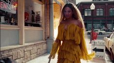 "In her new visual album ""Lemonade"", Beyonce proves she is more than just another Black woman with traceable African roots. Beyonce Gif, Rihanna, Pop Culture Halloween Costume, Halloween Costumes, Beyonce Knowles, Album, Jay Z, Big Fashion, Fashion News"
