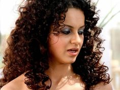 Kangana Ranaut  Curly Hair Babes Actress Photos And Curly hairstyle ideas Teenage Hairstyles, Vintage Hairstyles, Easy Hairstyles, Hairstyle Ideas, Hair Ideas, Different Hair Types, Portraits, Indian Celebrities, Bollywood Actress