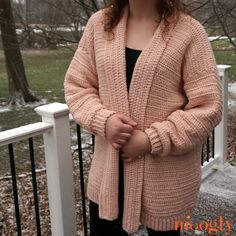 Ravelry: Cosmos Cardigan pattern by Tamara Kelly Crochet Jumper, Black Crochet Dress, Crochet Cardigan Pattern, Crochet Sweaters, Crochet Tops, Free Crochet, Crochet Gratis, Simple Crochet, Cardigan Sweaters