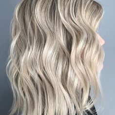 Pearl blonde at its best #Regram via @paintloveblend