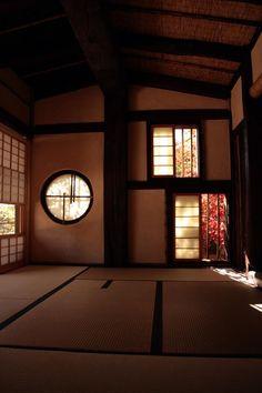 茶室(ちゃしつ, chashitsu)Japanese tea room.