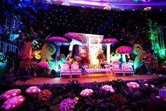 Ideas Wedding Themes Alice In Wonderland Decoration Alice In Wonderland Play, Alice In Wonderland Wedding Theme, Wonderland Party, Rave Wedding, Mad Hatter Tea, Mad Hatters, Stage Set, Stage Design, Set Design