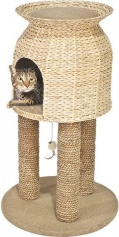 Put a stop to those irritating scratches on your furniture! This cozy woven basket also creates a #catsdiytree