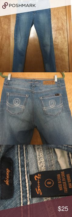 Seven Brand Light Wash Skinny Jeans Material is so comfy and has stretch. Seven7 Jeans Skinny