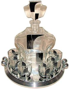 p/art-deco-czechoslovakian-decanter-set - The world's most private search engine Art Deco Bar, Art Deco Decor, Art Deco Stil, Art Deco Glass, Art Deco Home, Art Deco Design, Decoration, Estilo Art Deco, Vases