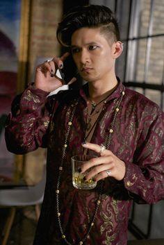 Magnus Bane calling Alec in Moo Shu to Go, Episode 5, still