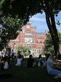 At Clark University Move-In Day 2012.  https://clarkconnect.clarku.edu/JCTwitter