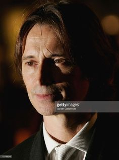 Robert Carlyle arrives at the World film premiere of 'Eragon' at the Odeon Leicester Square on December 11, 2006 in London, England.
