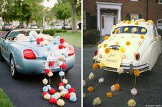 Decorare l'auto degli sposi