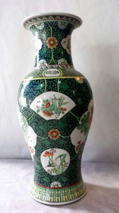 Importante jarro palaciano em porcelana chinesa decoraçao estilo familia verde com garças flores e f