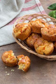 Muffin ai peperoni: lo spuntino perfetto per spezzare la fame! [Pepper muffin]