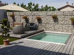 Take a look at pool design ideas for small backyard from our archives that will get you in the summer mood. Small Swimming Pools, Small Backyard Pools, Small Pools, Swimming Pools Backyard, Swimming Pool Designs, Small Patio, Backyard Patio, Backyard Landscaping, Small Garden With Pool Ideas