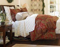 50 Stylish Christmas Bedroom Décor Ideas_27