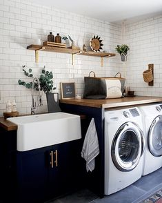 Bauernhaus Dekor Best Small Laundry Room Ideas on A Budget that You Have Never Thought of - - Modern Laundry Rooms, Farmhouse Laundry Room, Laundry In Bathroom, Basement Bathroom, Laundry Tubs, Basement Laundry, Laundry Powder, Laundry Room Bathroom, Laundry Drying