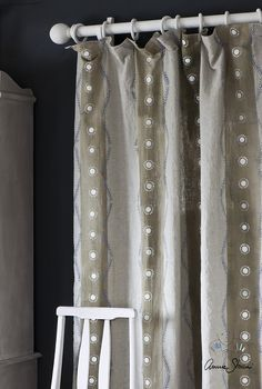 How to Dye and Stencil Curtains Using Chalk Paint by Annie Sloan Photography by Christopher Drake and Annie Sloan. These curtains are made out of our Pure Linen fabric then dyed and stencilled using C Stenciled Curtains, Drop Cloth Curtains, Hanging Curtains, Diy Curtains, Shower Curtains, Using Chalk Paint, Chalk Paint Colors, Curtain Inspiration, Stencil Painting