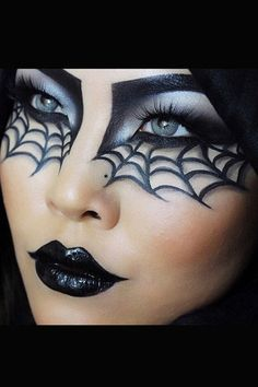 Make-up tips for Carnival: Here come the most creative looks - Halloween Make up, Schminke und Kostüme - Makeup Halloween Eye Makeup, Halloween Eyes, Halloween Makeup Looks, Halloween Nails, Halloween Party, Halloween Costumes, Halloween Decorations, Halloween Quotes, Halloween 2017