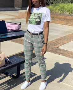 Look at other great ideas about Style attire, Plunder outfits and Woman design and style. Cute Swag Outfits, Tomboy Outfits, Chill Outfits, Teen Fashion Outfits, Tomboy Fashion, Teenager Outfits, Dope Outfits, Retro Outfits, Stylish Outfits