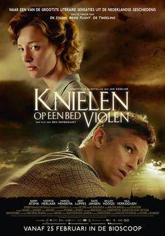 Knielen op een bed Violen poster