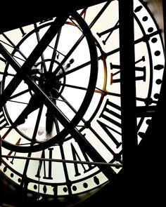 """Nastasia Michailou 🌗 on Instagram: """"Rien à ajouter 🤩"""" Clock, Instagram, Pictures, France, Home Decor, Watch, Photos, Decoration Home, Room Decor"""